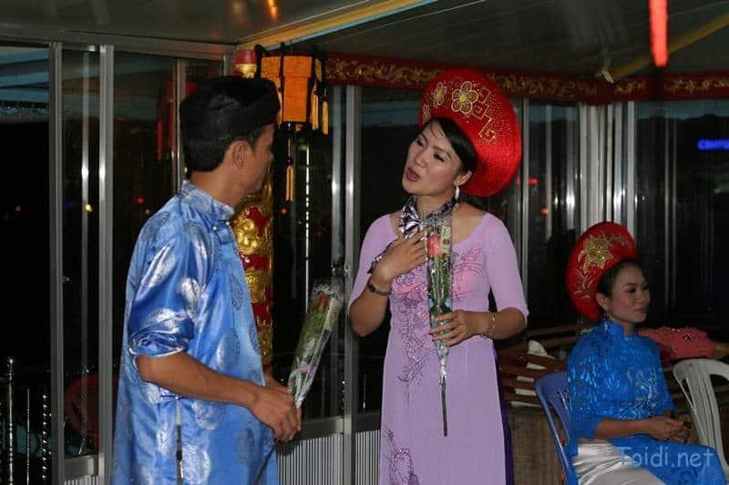 Ca Hue Song Huong Du lịch bụi Huế