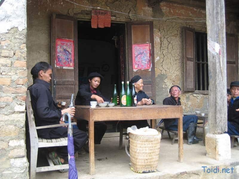 Phiên chợ Mông