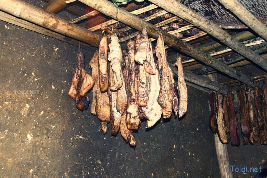 Thịt gác bếp người Dao
