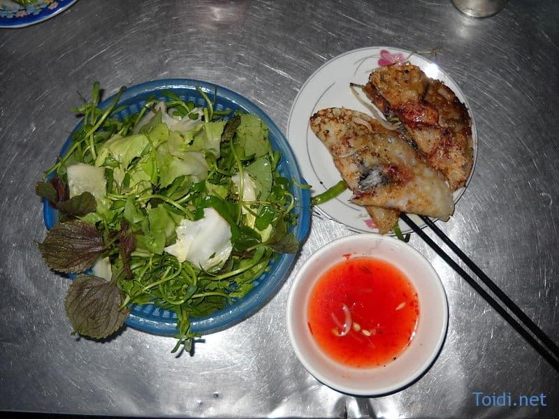 Bánh xèo nhân mực Nha Trang