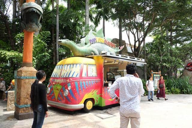An gi o Universal Singapore
