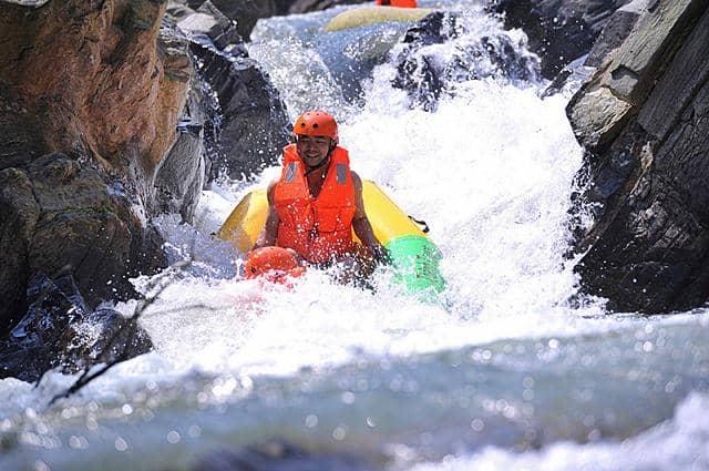 Kết quả hình ảnh cho Trượt thác nước Hòa Phú Thành
