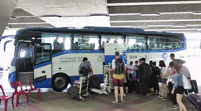 xe bus di Pattaya