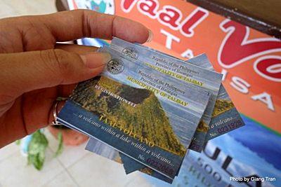 ve tham quan Taal volcano