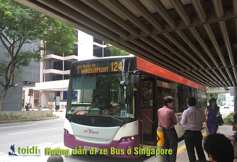 di-xe-bus-o-SIngapore