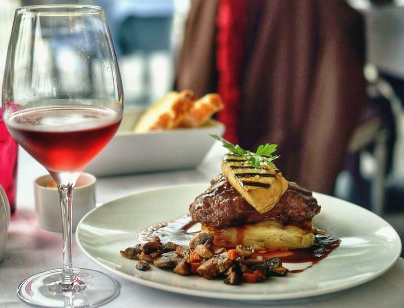 Ẩm Thực Pháp có Văn hóa và Món Ăn nào nổi tiếng?